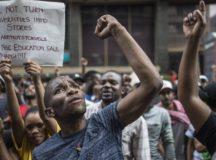 جنوبی افریقہ: فیسوں میں اضافے کے خلاف طلبہ تحریک