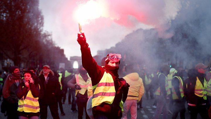 فرانس: جاگتا آتش فشاں!