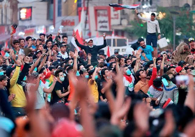 ایران: عوامی مظاہروں سے لرزتی مُلاں اشرافیہ!
