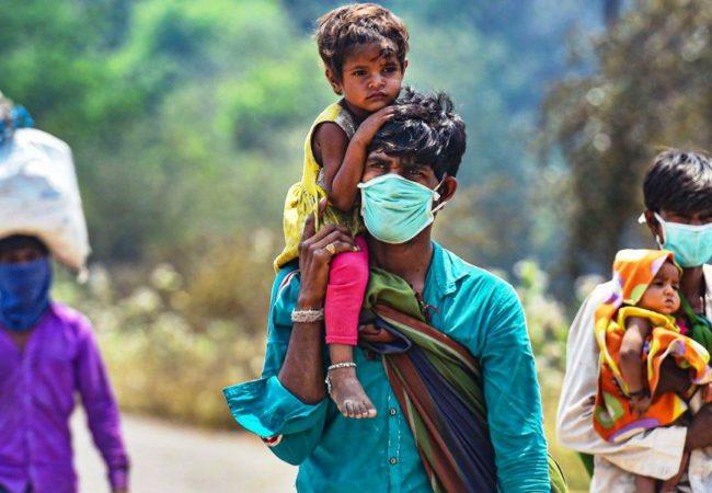کورونا وائرس: آئی ہماری جان پر آفت کئی طرح!