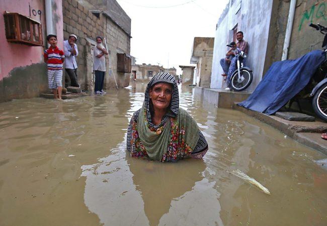 بارانِ رحمت' زحمت کیوں؟