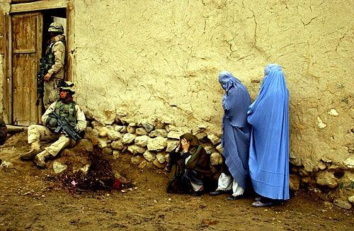 افغانستان سے امریکی انخلا: دہشت کے بعد پھر وحشت